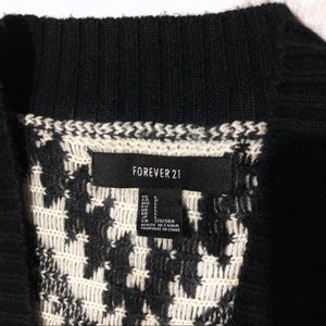 Forever 21 Sweaters - Forever 21 knit Dolman Sweater 3/4 sleeves tribal